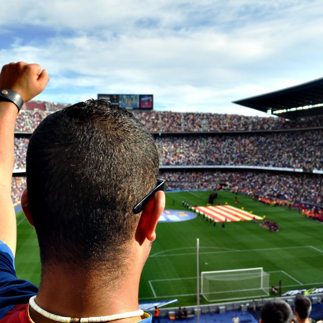 leading league barcelona crowd